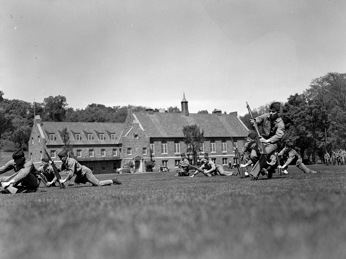 Marine trainees on Whitnall Field